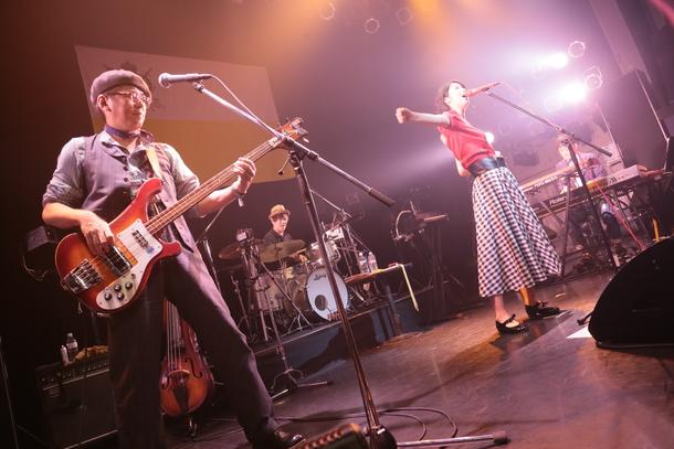 【TWEEDEES】 『ショウほど素敵な商売はない~「à la mode」TOUR2017』 2017年9月8日 at TSUTAYA O-WEST
