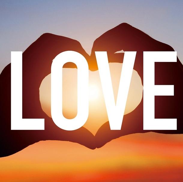 ミニアルバム『LOVE』