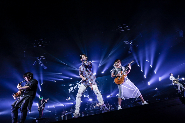 【UVERworld ライヴレポート】