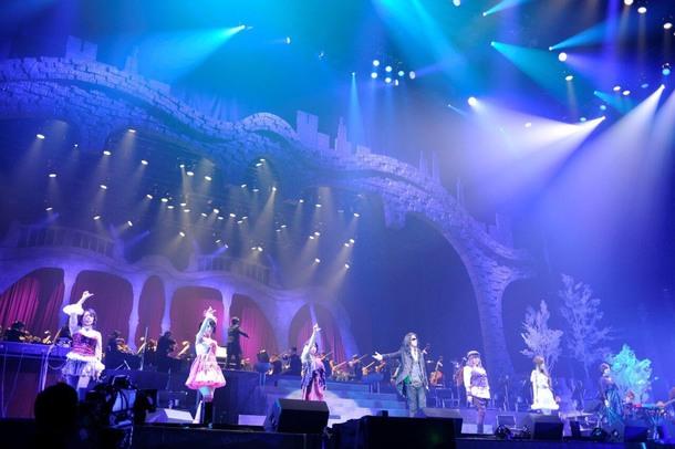 11月10日(金)@カルッツかわさき(川崎市スポーツ・文化総合センター)