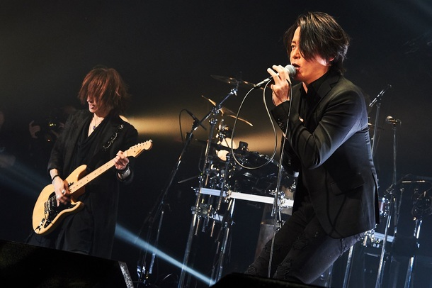 12月6日@Zepp Tokyo SUGIZO×RYUICHI Photo by 田辺佳子