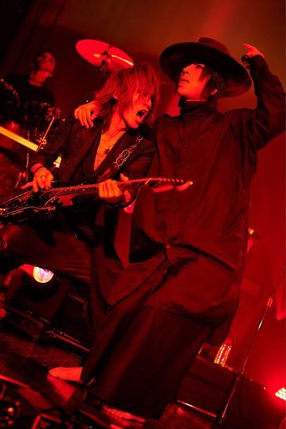 12月6日@Zepp Tokyo SUGIZO×清春 Photo by 田辺佳子