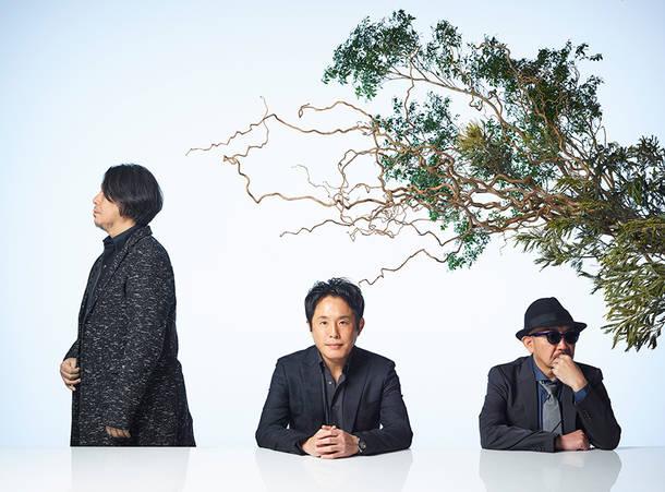 L→R 藤田千章(Key&Syn)、佐藤竹善(Vo&Gu&Key)、西村智彦(Gu)