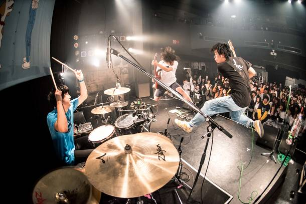 【BACK LIFT ライヴレポート】