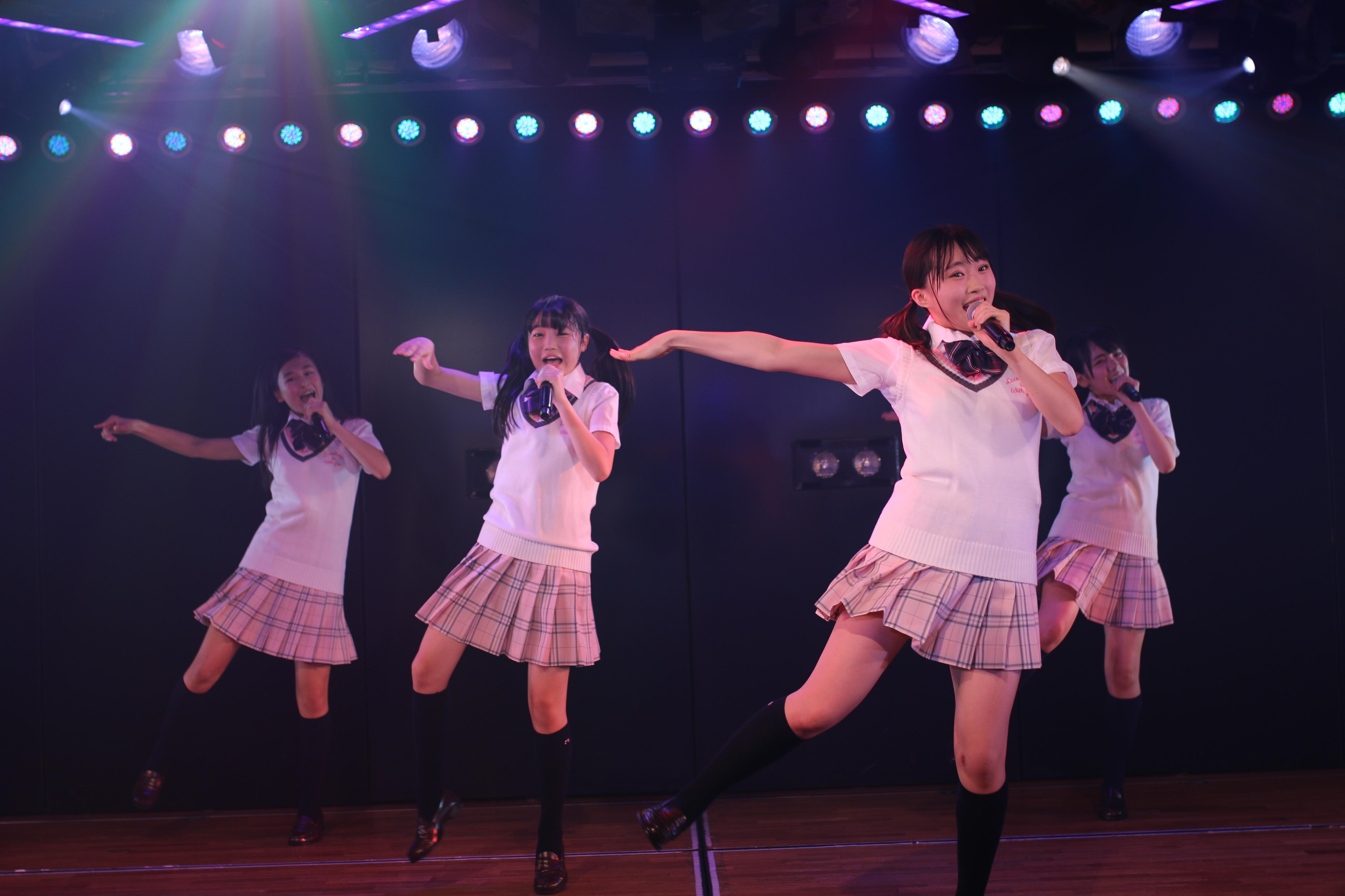 16期研究生劇場公演ゲネプロ 山根涼羽(右)(2017年7月)