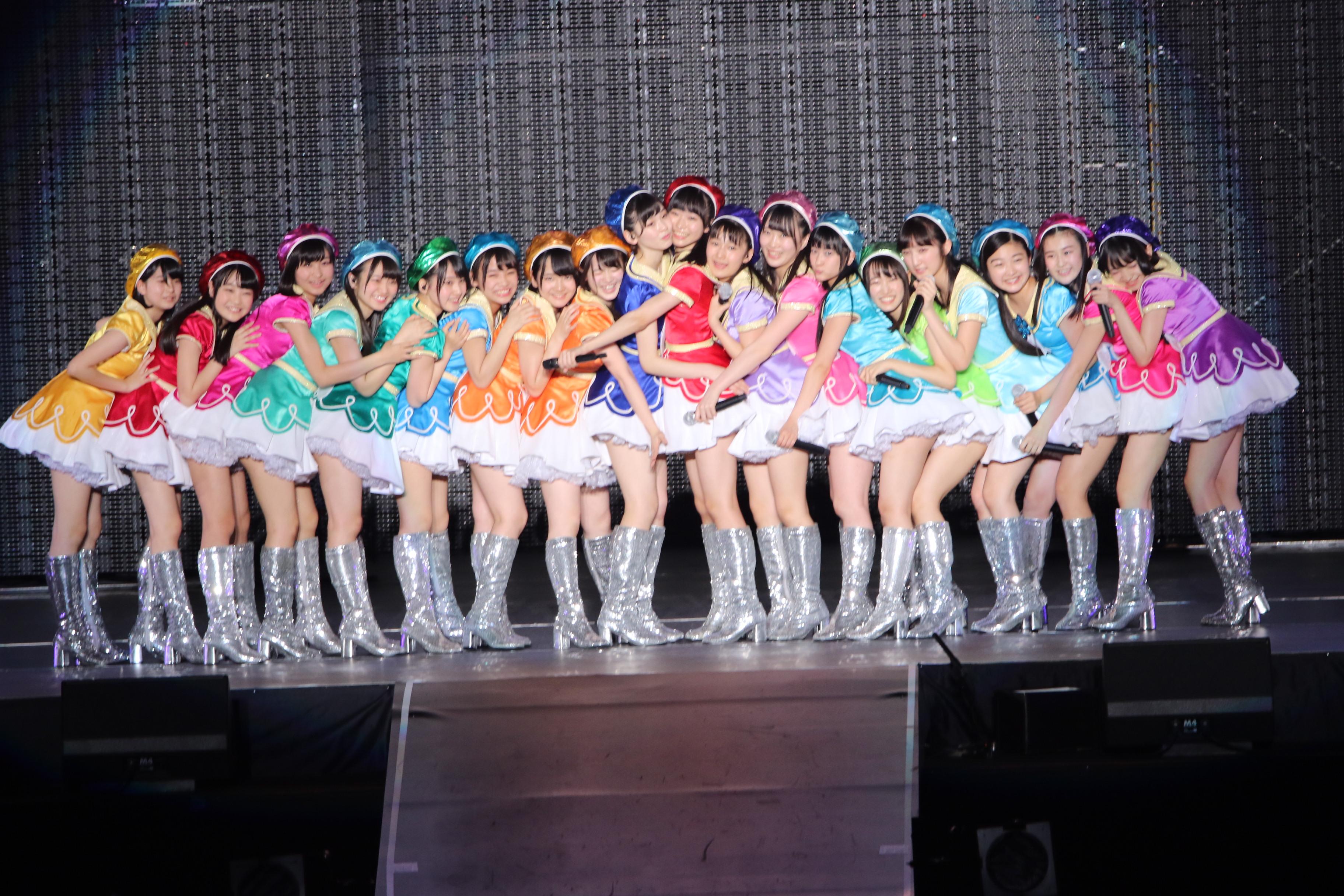 AKB48単独コンサートでの16期研究生(2018年4月)