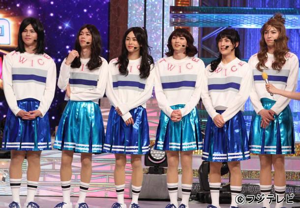 超特急がバラエティ番組『爆笑そっくりものまね紅白歌合戦スペシャル』に初出演し、TWICEの「TT -Japanese ver.-」をパフォーマンス