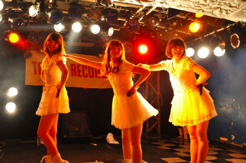 タワレコ新宿店リニューアル記念ライブにNegicco、トマパイらが出演