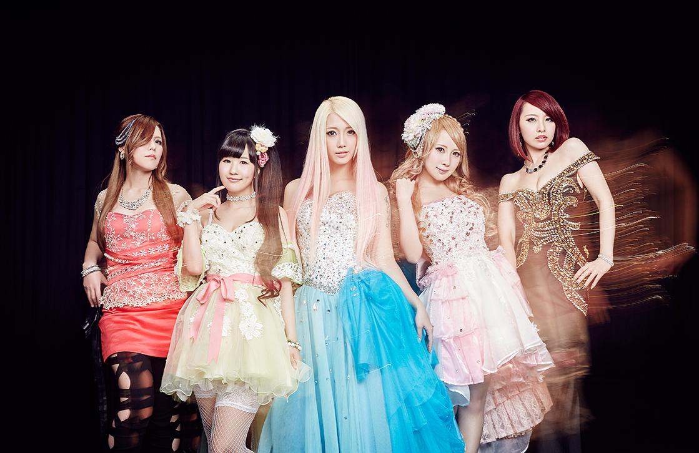 L→R Yoshi(Gu)、サワ(Ba)、Re:NO(Vo)、トキ(Gu)、Marina(Dr)
