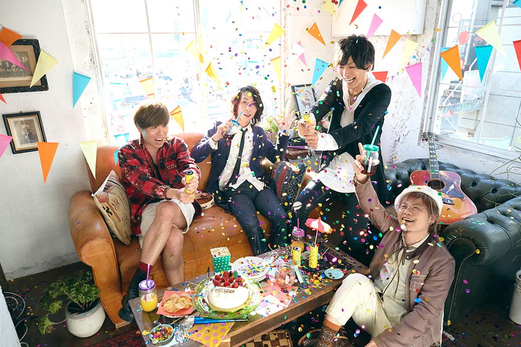 L→R LOVE大石(Dr)、イコマ(Gu&Cho)、PON(Vo&Gu)、たく(Ba)