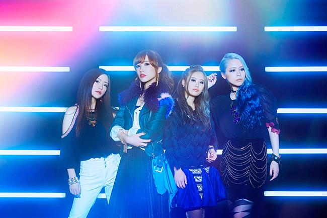 L→R YUI(Gu&Cho)、SAKI(Vo)、AZU(Ba&Cho)、AYANO(Key&Cho)