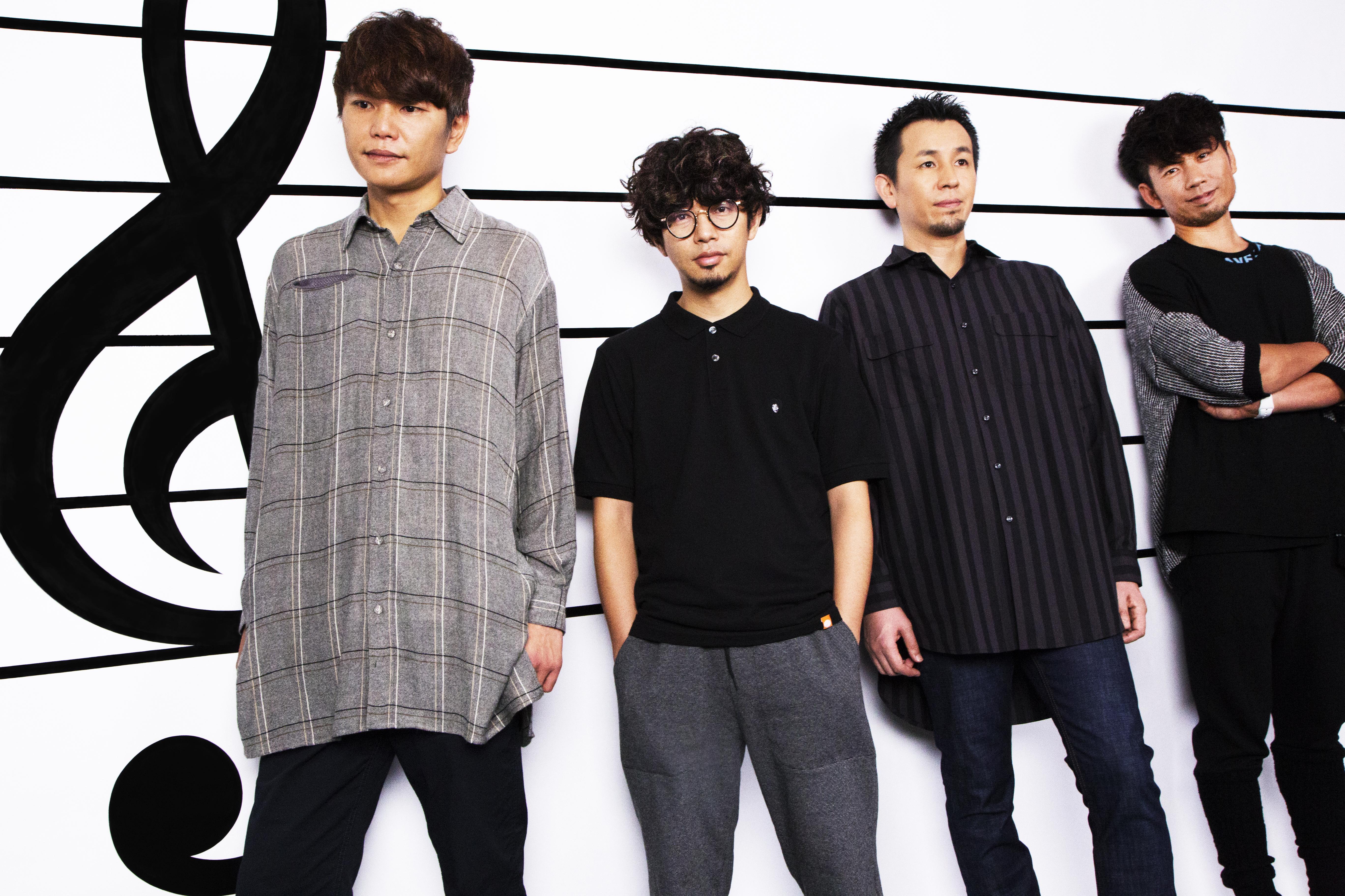 L→R 喜多建介(Gu&Vo)、後藤正文(Vo&Gu)、山田貴洋(Ba&Vo)、伊地知 潔(Dr)