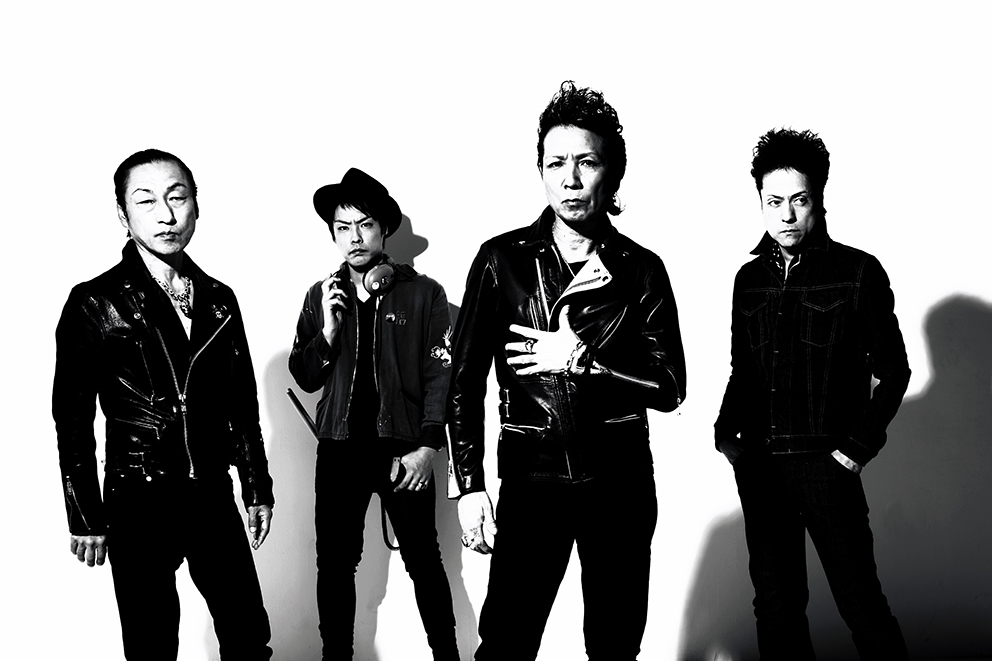 L→R 北里晃一(Ba&Vo)、佐々木 周(Dr&Vo)、森山達也(Vo&Gu)、苣木寛之(Gu&Vo)