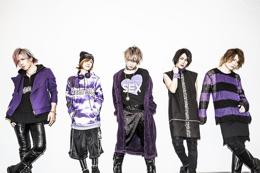L→R Chiyu(Ba)、shinpei(Dr)、武瑠(Vo)、masato(Gu)、yuji(Gu)