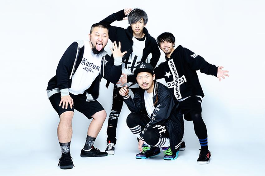 L→R 須藤憲太郎(Ba)、岸 明平(Gu)、内田直孝(Vo&Gu)、磯村貴宏(Dr)