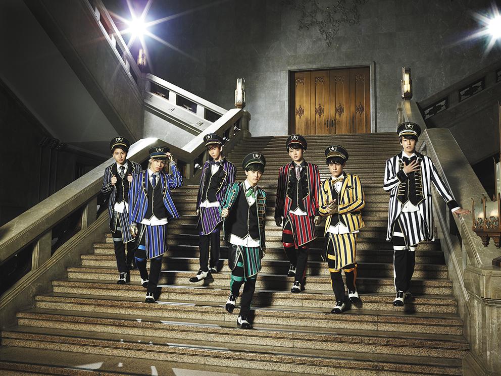 L→R コーイチ(Vo)、カイ(Dancer)、リョウガ(Dancer)、タクヤ(Dancer)、ユーキ(Dancer)、ユースケ(Dancer)、タカシ(Vo)