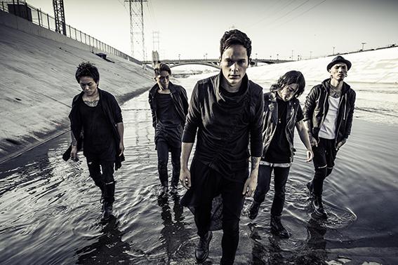 L→R Katsuma(Dr)、RxYxO(Ba)、Masato(Vo)、Y.K.C(Gu)、Sugi(Gu)