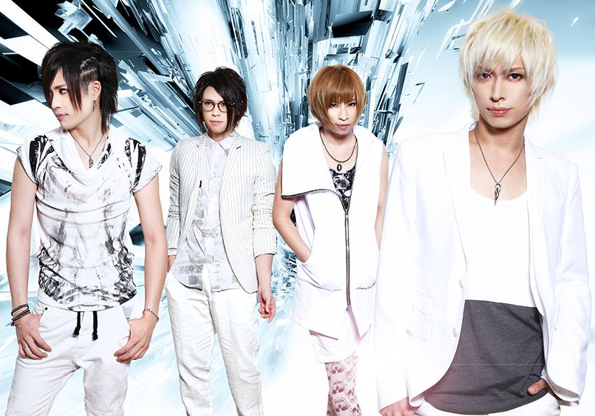L→R Show(Gu)、Dye(Dr)、Sai(Ba)、Daiki(Vo)
