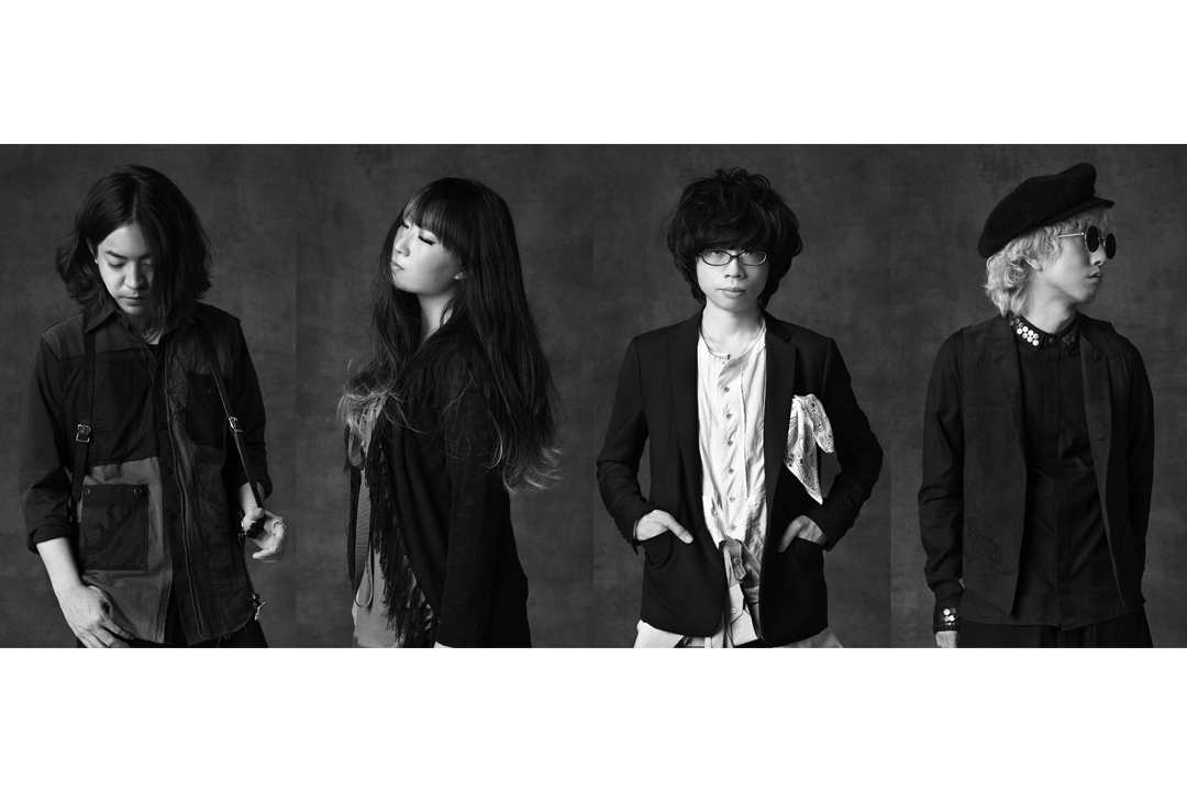 L→R 剛(Dr)、彩(Ba)、のび太(Vo&Gu)、山さん(Gu)