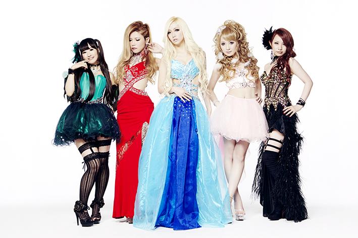 L→R サワ(Ba)、Yoshi(Gu)、Re:NO(Vo)、トキ(Gu)、Marina(Dr)