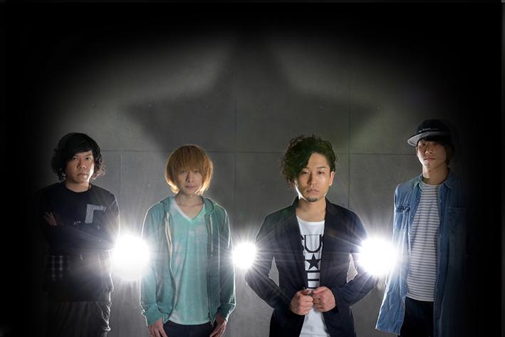 L→R 小平雄希(Dr)、ムッシュ(Ba)、もとつね番ちょう(Vo&Gu)、タンパク(Gu)