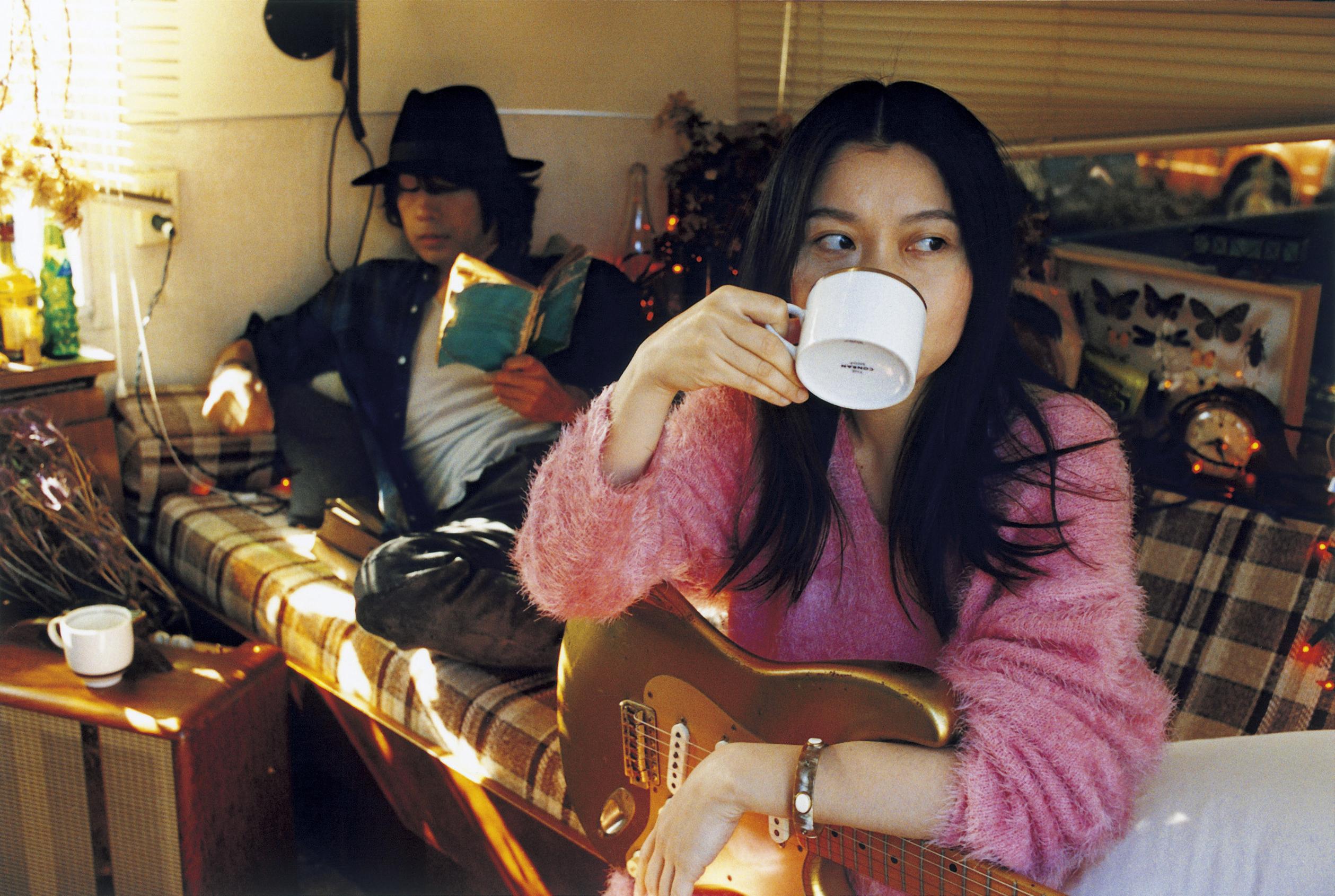 L→R NAOKI(Gu&Ba)、KUMI(Vo&Gu)
