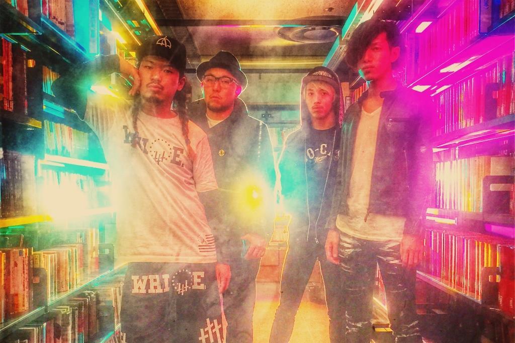 L→R 内田直孝(Vo&Gu)、須藤憲太郎(Ba)、磯村貴宏(Dr)、岸 明平(Gu)