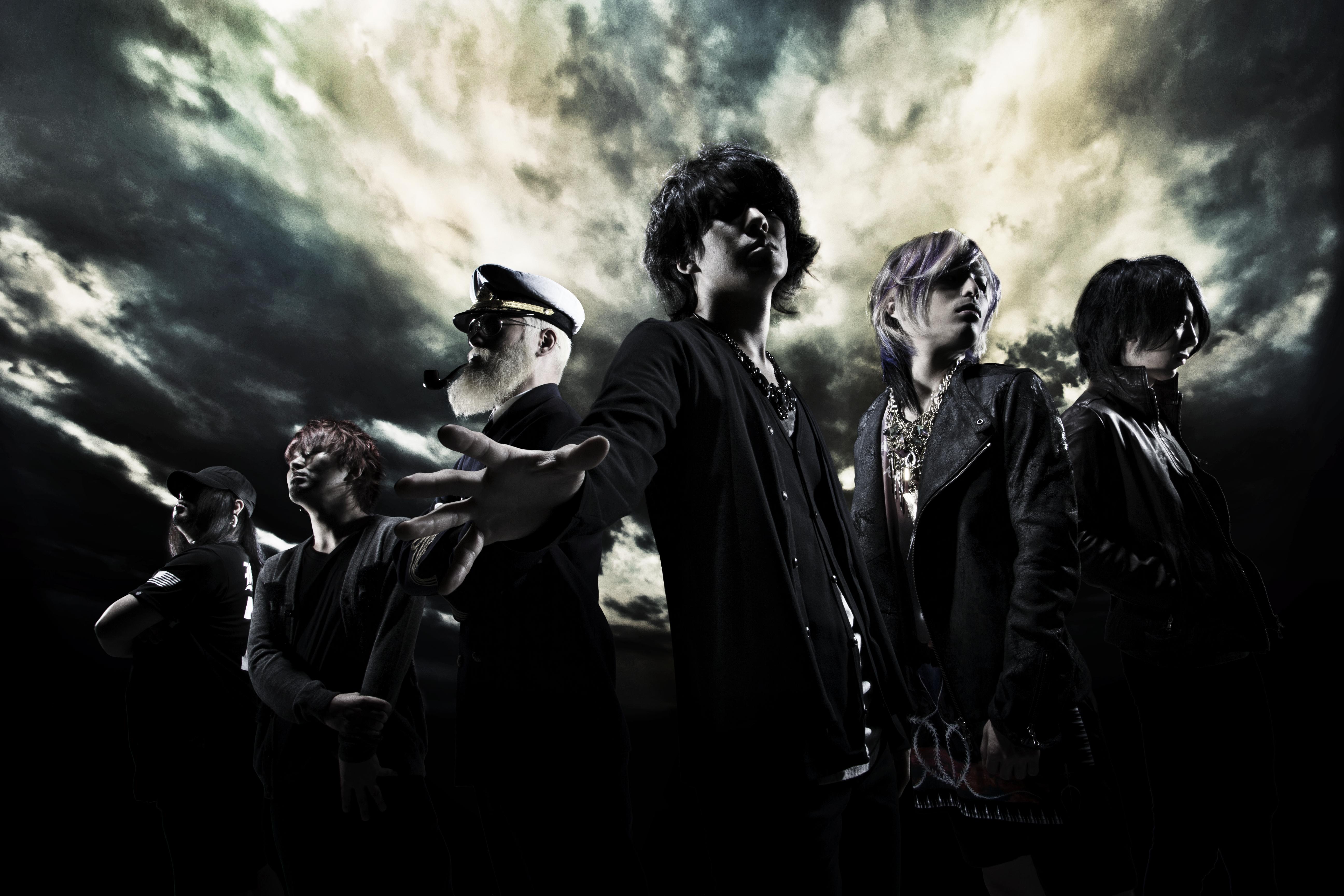 L→R Tomonori (Dr)、Kei(Ba)、Taiki (Gu)、Minami(Vo&Key)、So (Vo)、Sxun(Gu)