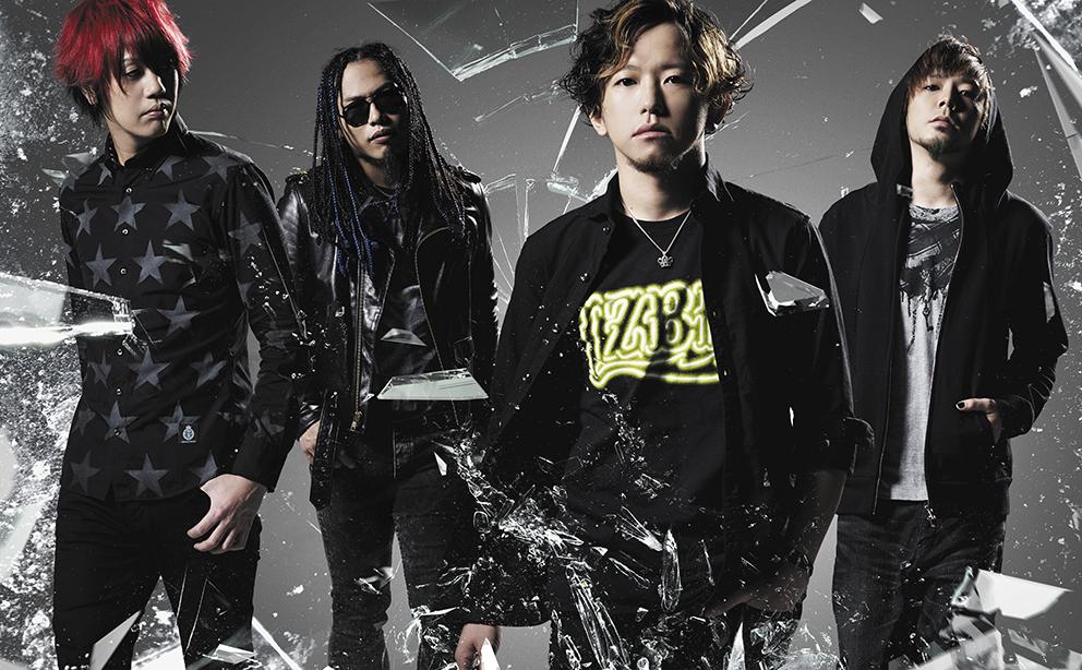 L→R ナオミチ(Dr)、dEnkA(Gu)、w-shun(Vo&Gu)、亜太(Ba)