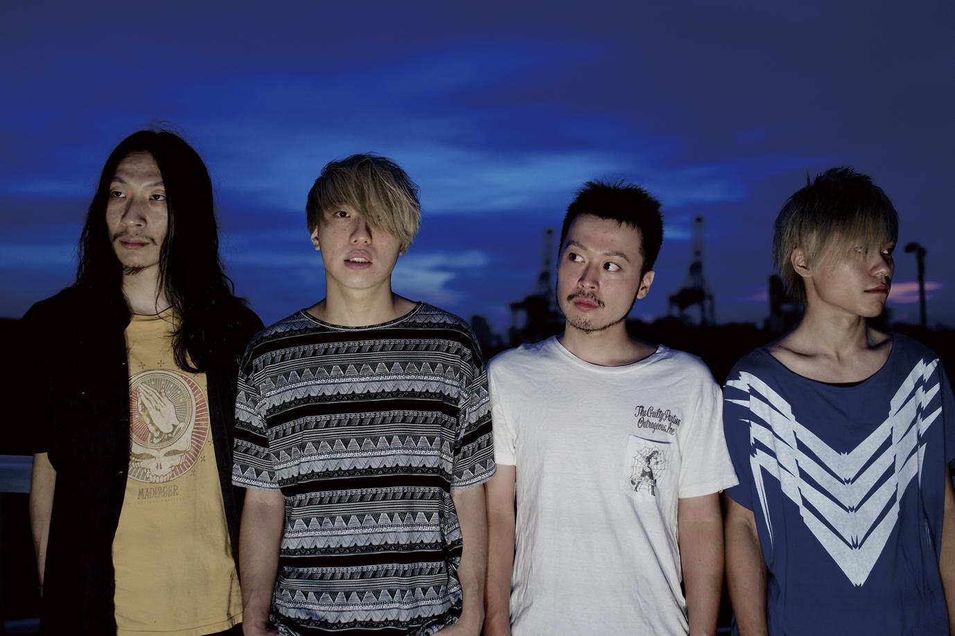 L→R 佐々木ヒロシ(Dr)、ノホリサチオ(Vo&Gu)、YUJI(Ba)、濁川優樹(Gu)