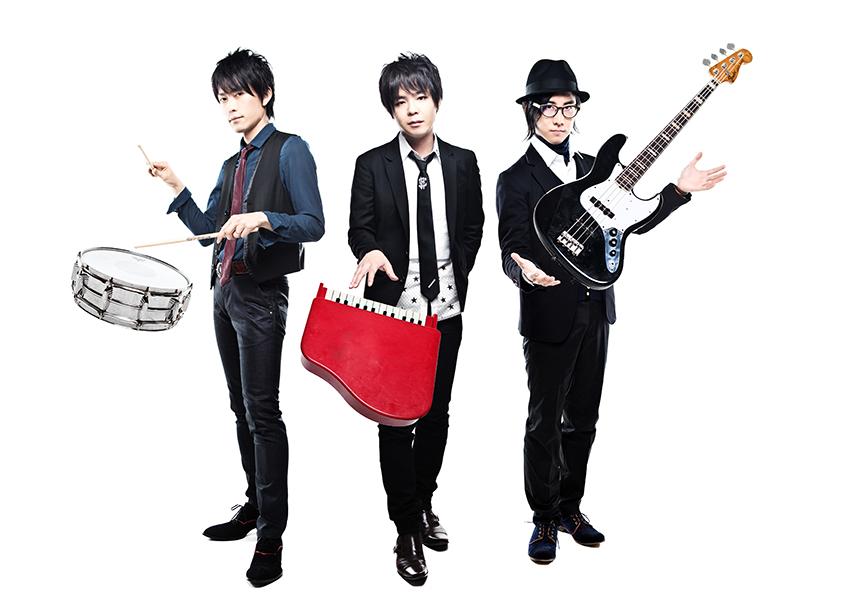 L→R 山口教仁(Dr)、花沢耕太(Vo&Piano)、辻本健司(Ba)