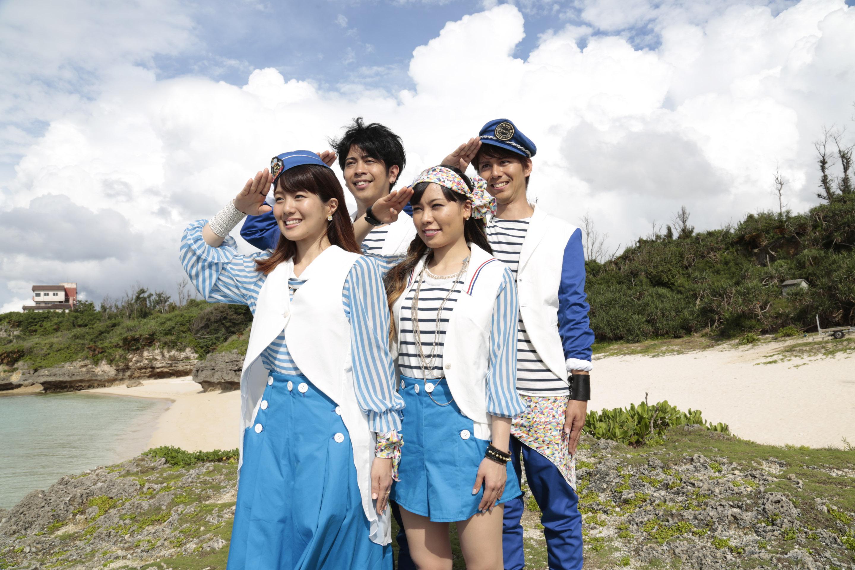 L→R NANAE(Vo)、KEITA(Ba)、MAIKO(Dr)、MICHIRU(Gu)