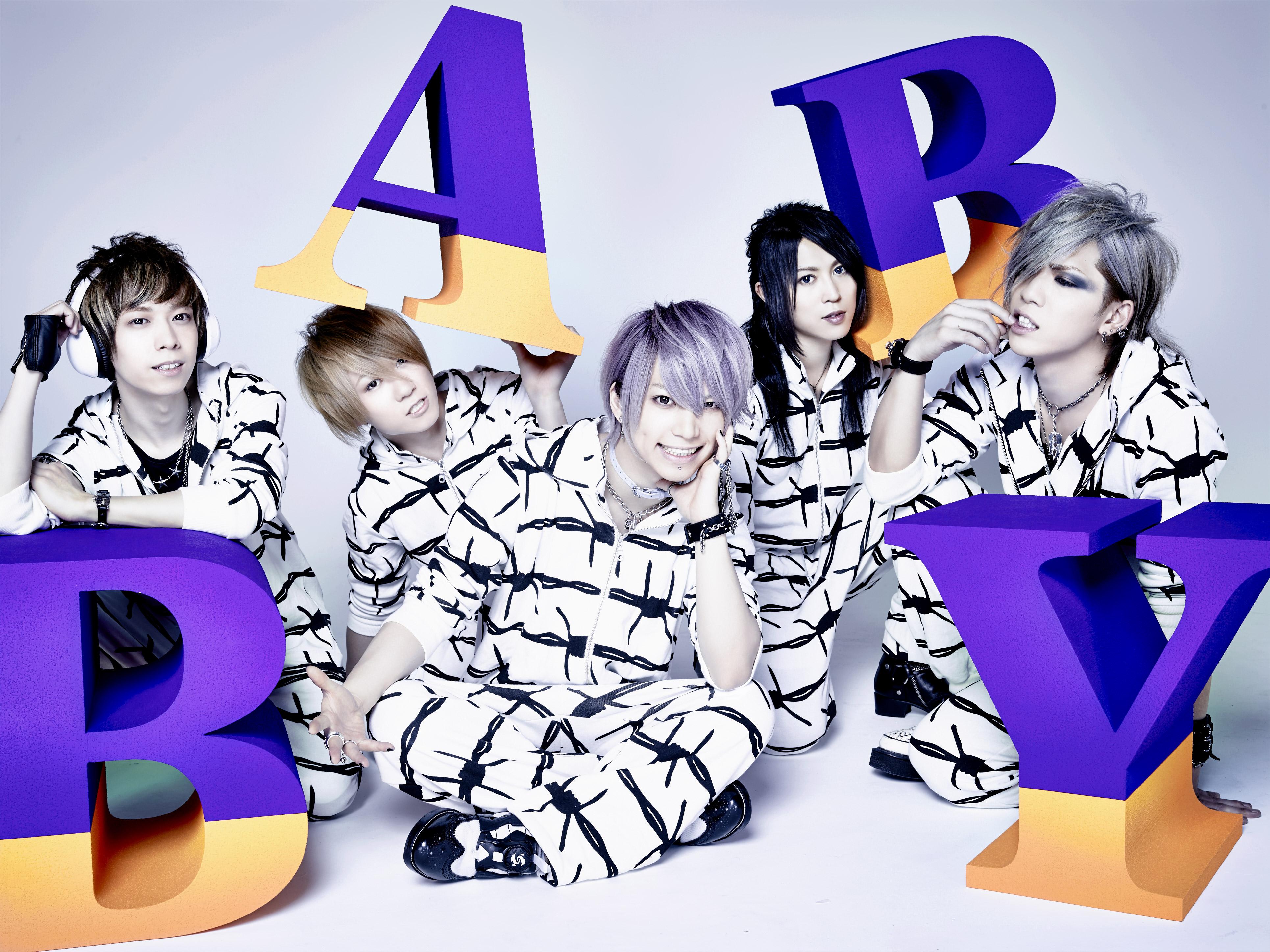 L→R shinpei(Dr)、yuji(Gu)、武瑠(Vo)、masato(Gu)、Chiyu(Ba)