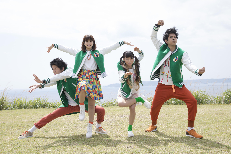 L→R MICHIRU(Gu)、NANAE(Vo)、MAIKO(Dr)、KEITA(Ba)