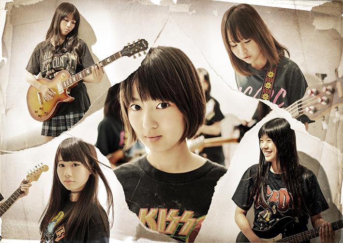 L→R RENA(Gu)、MAYUKO(Dr)、AYAKI(Vo)、SHINOBU(Ba)、MINAMI(Gu)