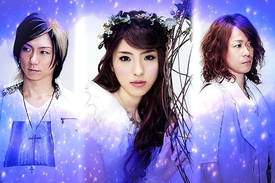 L→R JUN TAKAI(Ba)、Erina(Vo)、Ommy(Gu)
