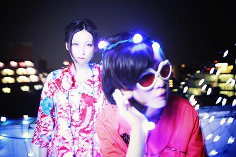 L→R アレックスたねこ(Vo)、テナ・オンディーヌ(Synthesizer&Key)