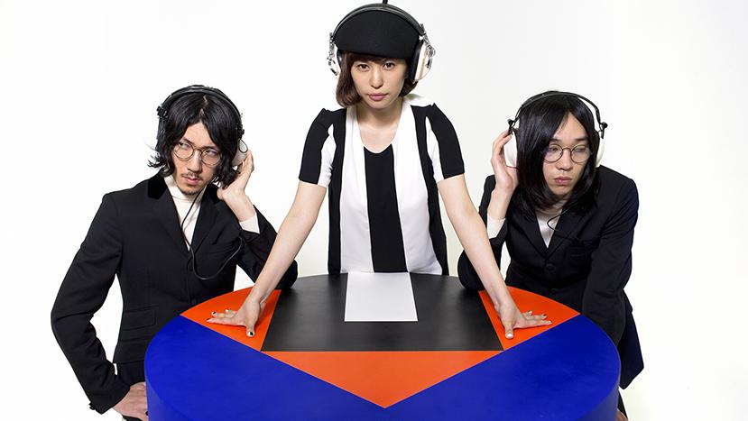 L→R 安西卓丸(Ba&Vo)、内田万里(Vo&Key)、石井竜太 (Gu)