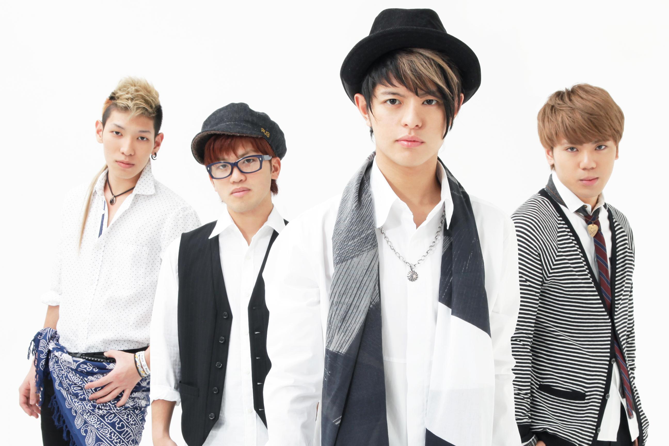 L→R マーサー(Ba)、ユウイチ(Dr)、チカラ(Vo)、ジュンタ(Gu)