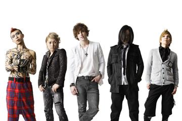 L→R 5°(Gu)、noriyuki(Ba)、Jon(Vo)、rui(Dr)、kansei(Gu)