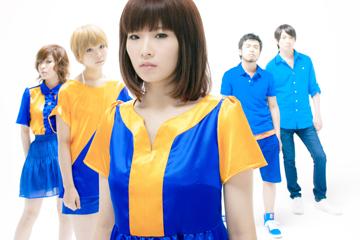 L→R 釜谷雪花(Key)、小瀧 恵(Dr)、天田優子(Vo&Gu)、本間友大(Ba)、松本泰樹(Gu)