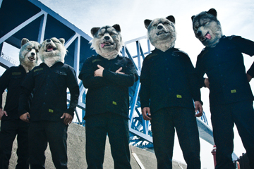 L→R Kamikaze Boy(Ba&Cho)、Spear Rib(Dr)、Tokyo Tanaka(Vo)、Jean-Ken Johnny(Gu&Vo&Raps)、DJ Santa Monica(DJ&Sampling)