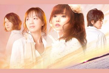 L→R 岡本仁志(Gu)、AZUKI七(Key&Lyrics)、中村由利(Vo&Songwriting)、古井弘人(Key&Arrange)