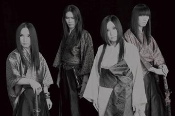 L→R 招鬼(Gu&Cho)、瞬火(Vo&Ba)、黒猫(Vo)、狩姦(Gu)
