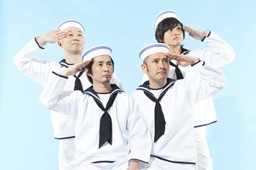L→R 清水泰而(Ba)、増子直純(Vo)、坂詰克彦(Dr)、上原子友康(Gu)
