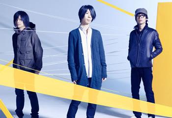 L→R 福井健太(Ba)、波多野裕文(Vo&Gu)、山口大吾(Dr)