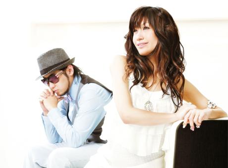 L→R 河井純一 a.k.a. NAUGHTY BO-Z(Produce&Composer)、片桐舞子(Vo)