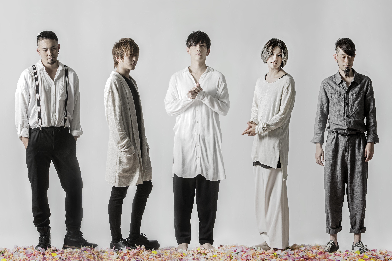 L→R 重田雅俊(Dr)、塩﨑啓示(Ba)、松川ケイスケ(Vo)、細川大介(Gu)、真一ジェット(Key)