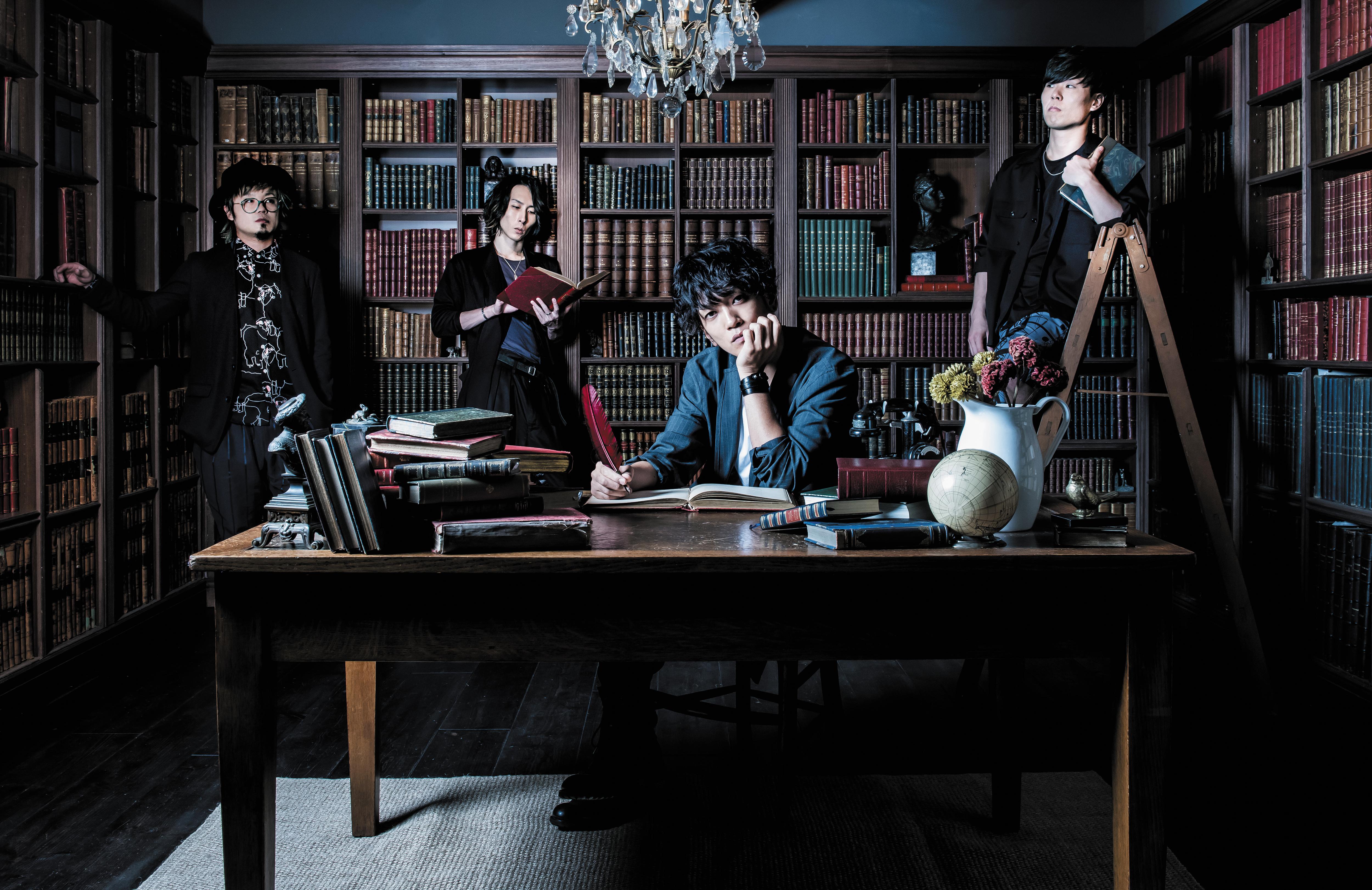 L→R たく(Ba)、ikoma(Gu&Cho)、PON(Vo&Gu)、LOVE大石(Dr)