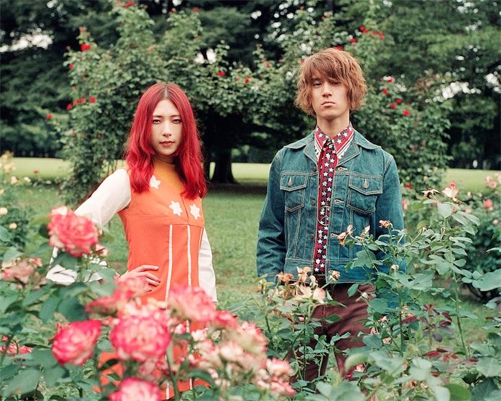 GLIM SPANKY、TOKYO FMの番組で「吹き抜く風のように」アコースティック生演奏で初披露!